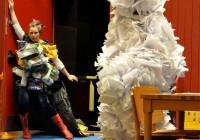 Haugen Papirmannen og Søppeldronninga 1, Anne Katrine og Liv Hanne Haugen Foto Susanne Næss Nilsen